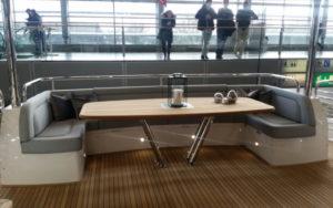 Sunseeker 95 Yacht Sitzgruppe im Heckbereich